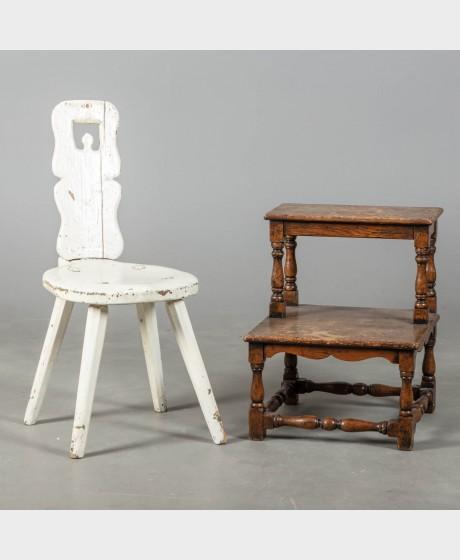 Kirjastoporras ja tuoli