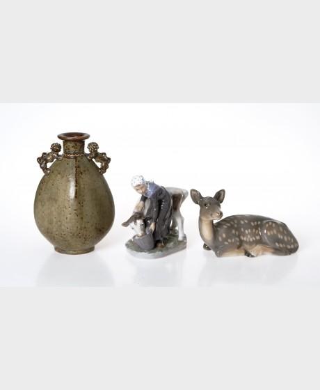 Figurineja, 2 kpl ja maljakko