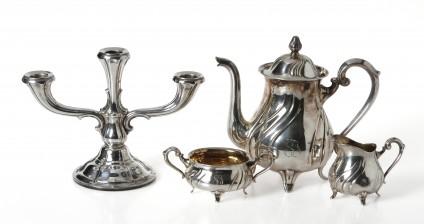 Kahvikalusto, 3 osaa ja kynttilänjalka