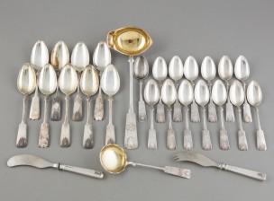 Erä hopea-aterimia, n. 30 kpl