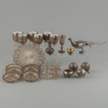 Erä hopea esineitä