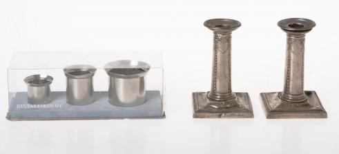 Kynttilänjalkapari ja mittoja, 3 kpl