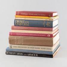 Kirjoja, 11 kpl