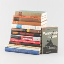 Kirjoja, 13 kpl