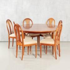Ruokapöytä ja 8 tuolia