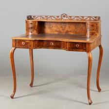 Naistenkirjoituspöytä