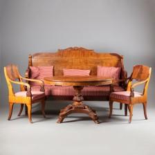 Sohva, tuoleja, 2 kpl ja pöytä