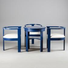 Tuoleja, 3 kpl ja pöytä