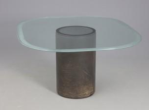 Lasipöytä
