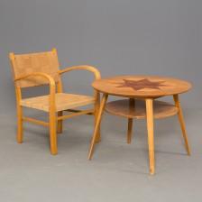 Nojatuoli ja pöytä