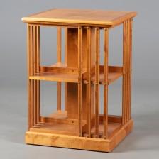 Kirjastohylly/pöytä