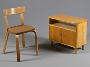 Lipasto ja tuoli