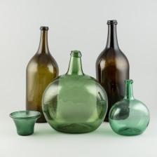 Erä pulloja ym., 5 kpl