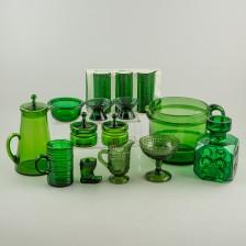 Erä vihreää lasia, 15 kpl