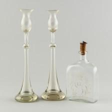 Pullo ja kynttilänjalkapari