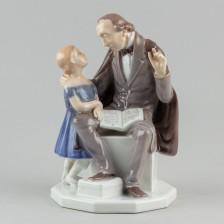 Figuriini, H.C. Andersen lukee lapselle