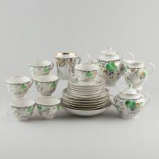 Tee-astiaston osia ja muki
