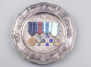 Lotan ripa ja 50-v. lautanen vuodelta 1935
