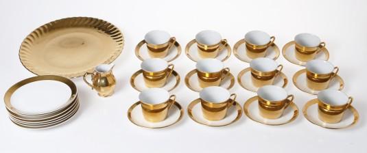 Kahvikuppeja, 12 kpl, kermakko ja tarjoilulautanen