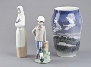 Maljakko ja figuriineja, 2 kpl