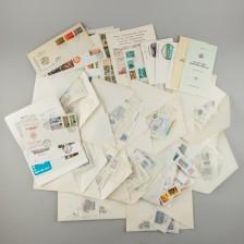 Erä postimerkkejä ja arkkeja