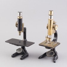 Mikroskooppeja, 2 kpl