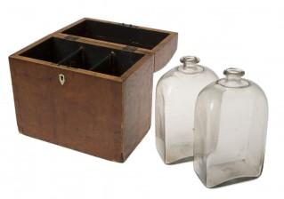 Schatulli ja pulloja, 2 kpl