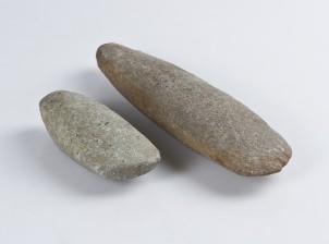 Kivikirveitä, 2 kpl