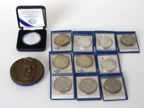 Juhlarahoja, 10 kpl, mitali ja kolikko