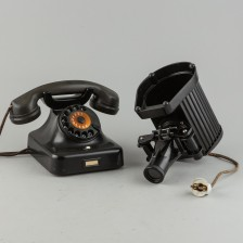 Puhelin ja projektori