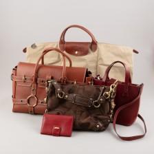 Laukkuja, 4 kpl ja lompakko