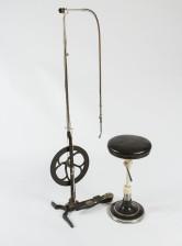 Hammaslääkärinpora, -jakkara ja instrumenttilaatikko