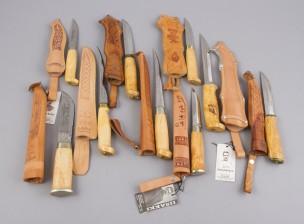 Puukkoja ja veitsiä, 9 kpl