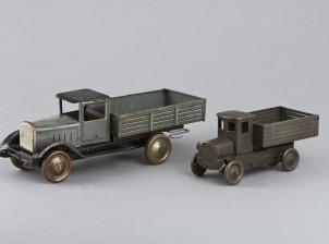 Leikkikuorma-autoja, 2 kpl