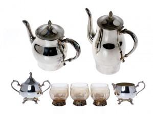 Pentti Sarpaneva ja kahvikalusto