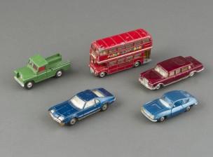 Pikkuautoja, 5 kpl