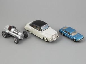 Pikkuautoja, 3 kpl