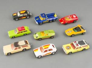Pikkuautoja, 9 kpl