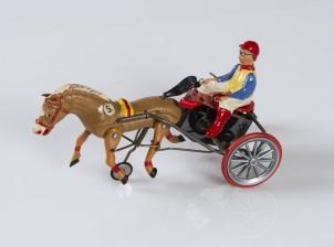 Mekaaninen lelu, arabialainen ravihevonen