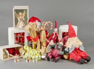 Erä joulukoristeita