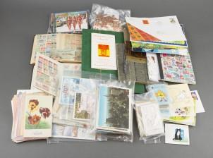 Erä postimerkkejä ja kortteja ym.