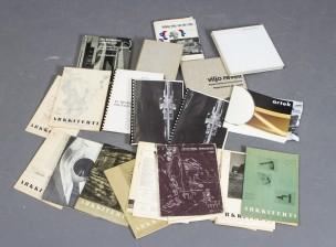 Kirjoja ja Arkkitehti-lehtiä