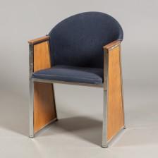 Jouko Järvisalo ja tuoli