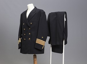 Kauppalaivaston merikapteenin puku (Kapt. Holger Hermansson)