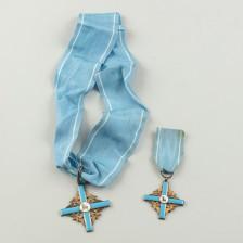 Kunniamerkkejä, 2 kpl, Pyhän Karitsan Ritarikunta